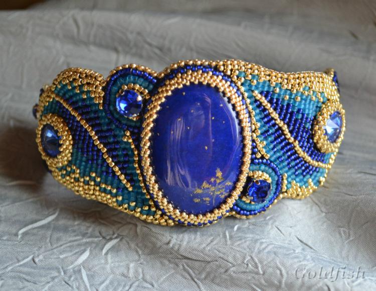 Широкие браслеты с вышивкой из бисера