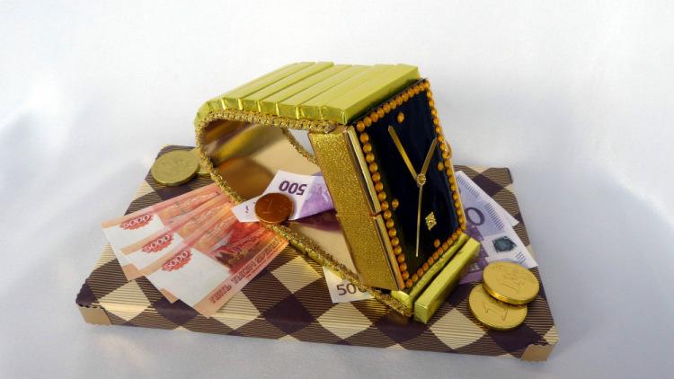 Фото подарок из конфет для мужчины